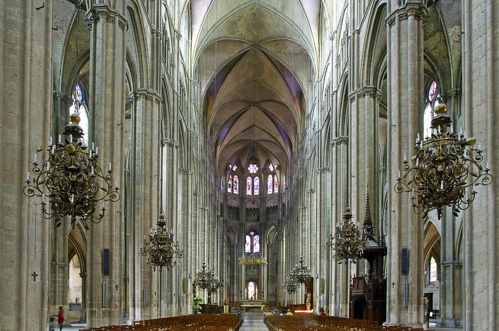 Буржский собор, интерьер