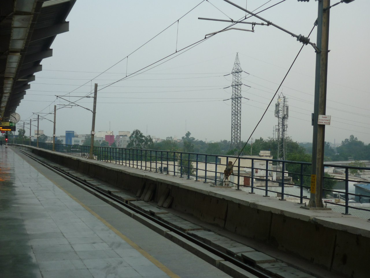 Дели. Метро. Станция Султанпур