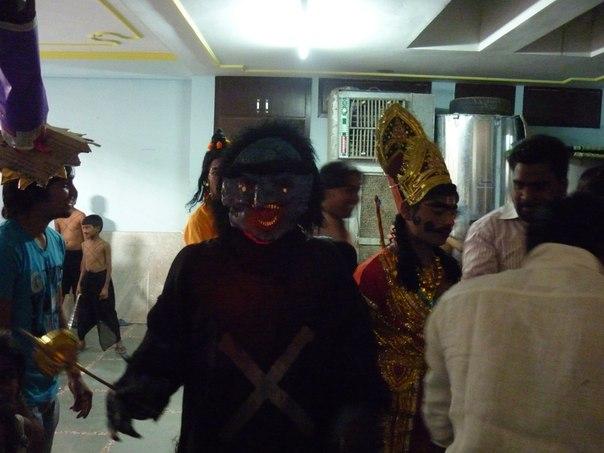 Индия. Подготовка к празднику. Макияж