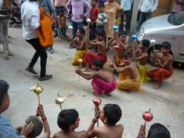 Индия. Дели. Дети на празднике