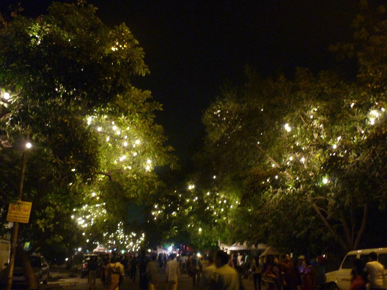 Индия. Дели. Ночная улица
