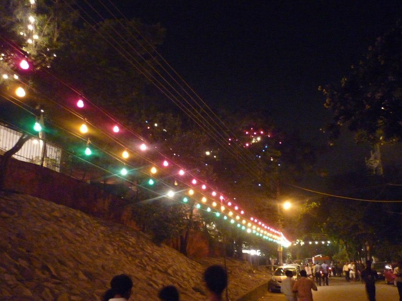 Индия. Дели. Украшенные улицы