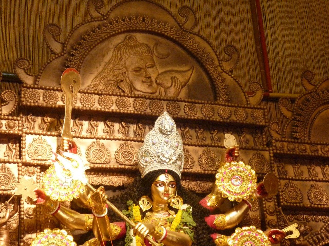Индия. Дели. Дурга в храме