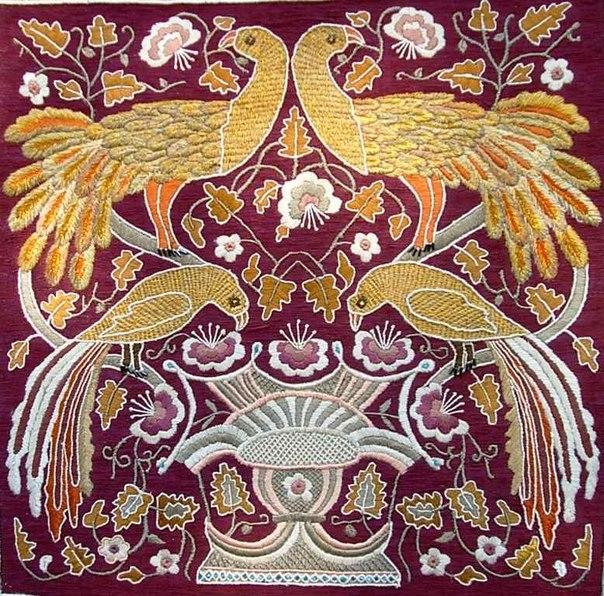 Павлины в pайском саду. Церковная вышивка