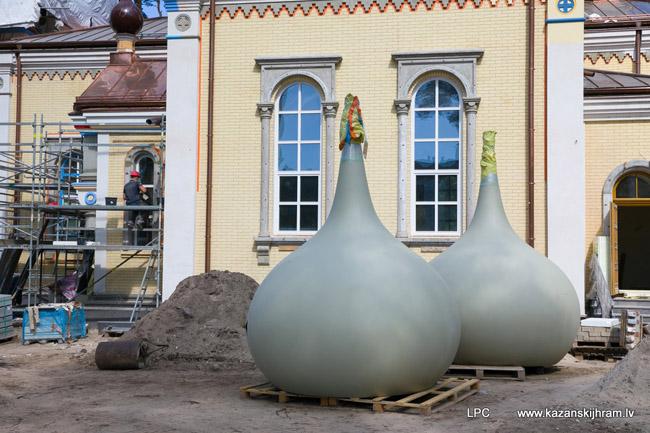 «Бутылки» вместо глав для нового храма