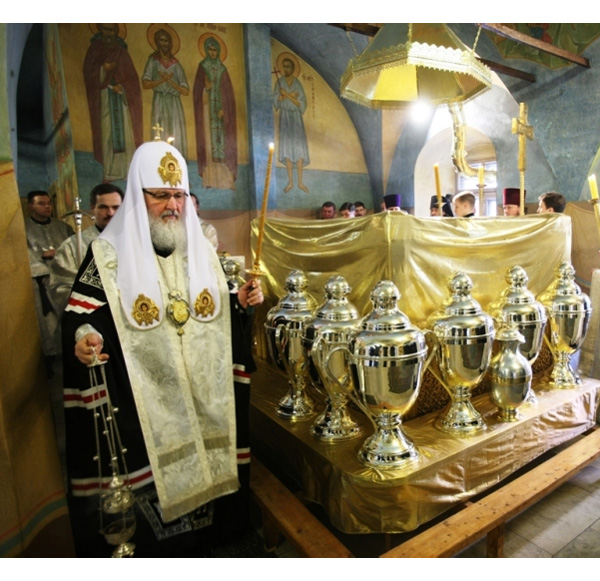 Варка мира в наше время (Москва, Донской монастырь, Великий Четверг)