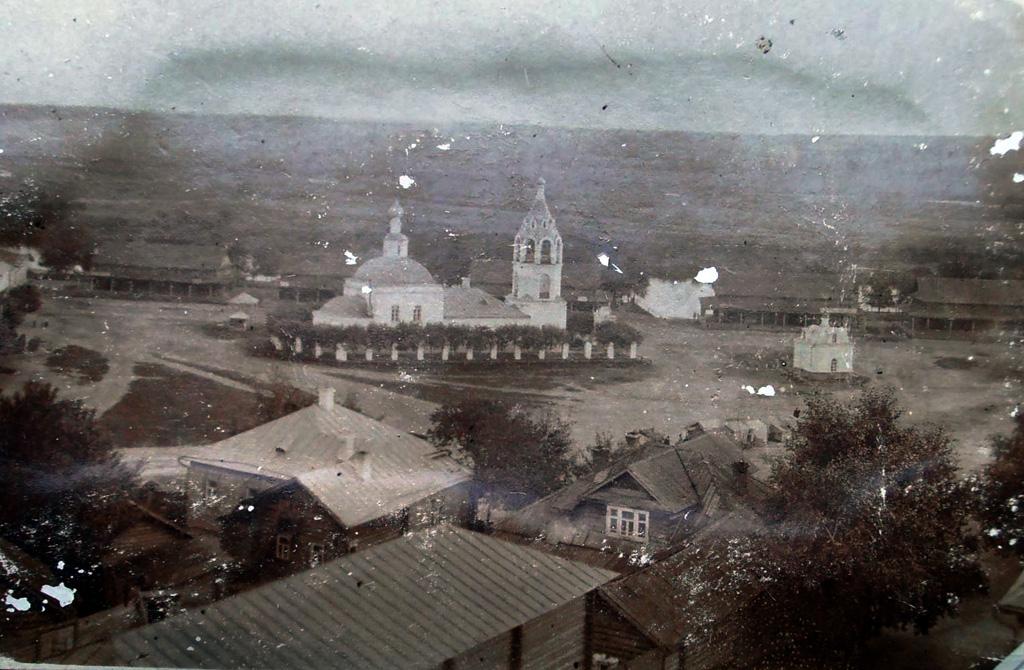 Яркий образ православного храма-корабля. Россия, архивное фото